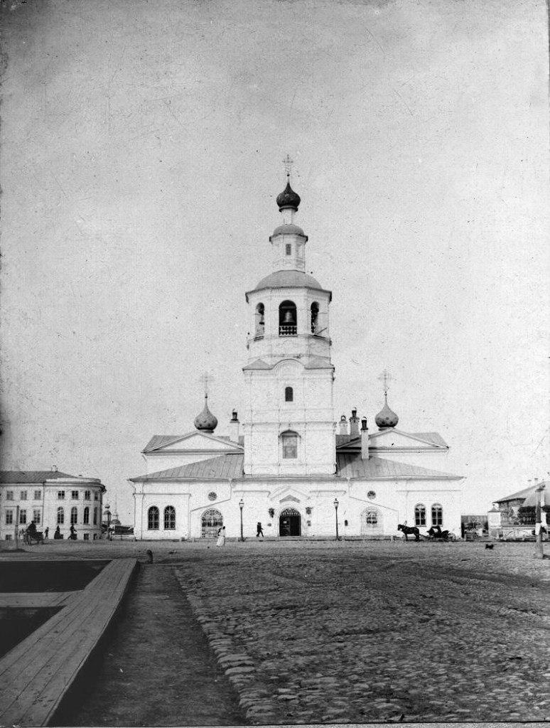 Сенная площадь. Спасская Всеградская церковь