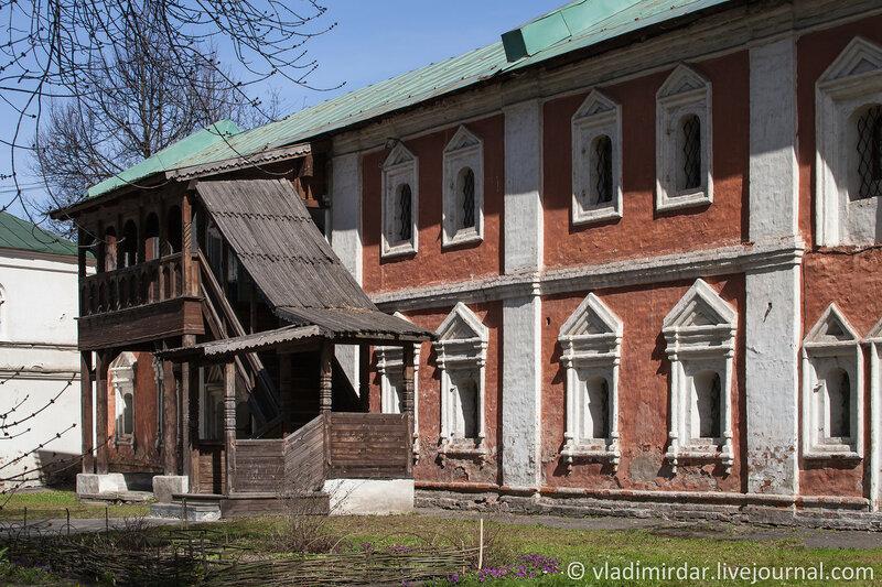 Келейный корпус. Спасо-Преображенский монастырь. Ярославль.