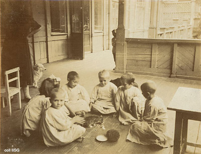 Kindergartens in Russia, photos by Dutch schoolteacher J.C. Ceton, 192100.jpg