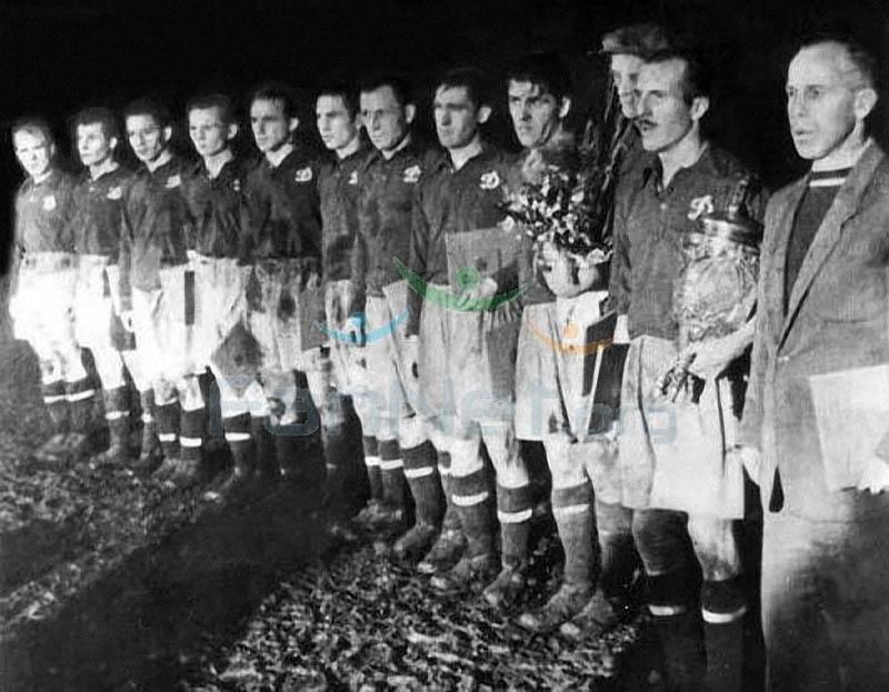 Динамо Киев 1954.jpg