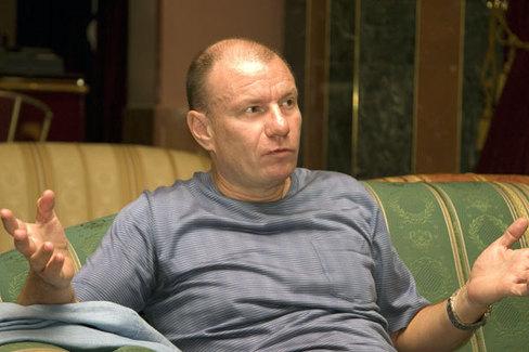 0_138657_93a02cf8_orig Шок и Десять самых богатых россиян (фото)