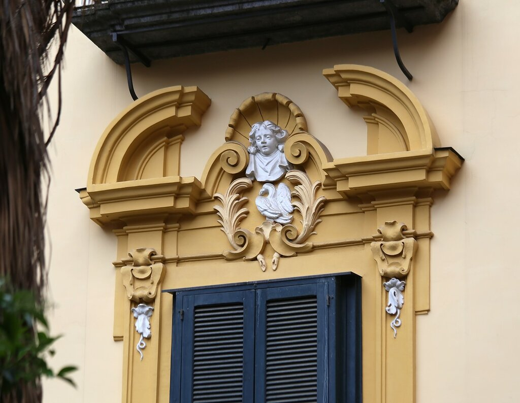 Naples. Plaza Santa Maria La Nova (Largo Santa Maria La Nova)