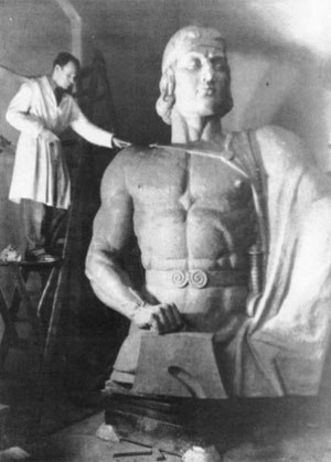 Скульптуры Зигфрида и Кримхильды