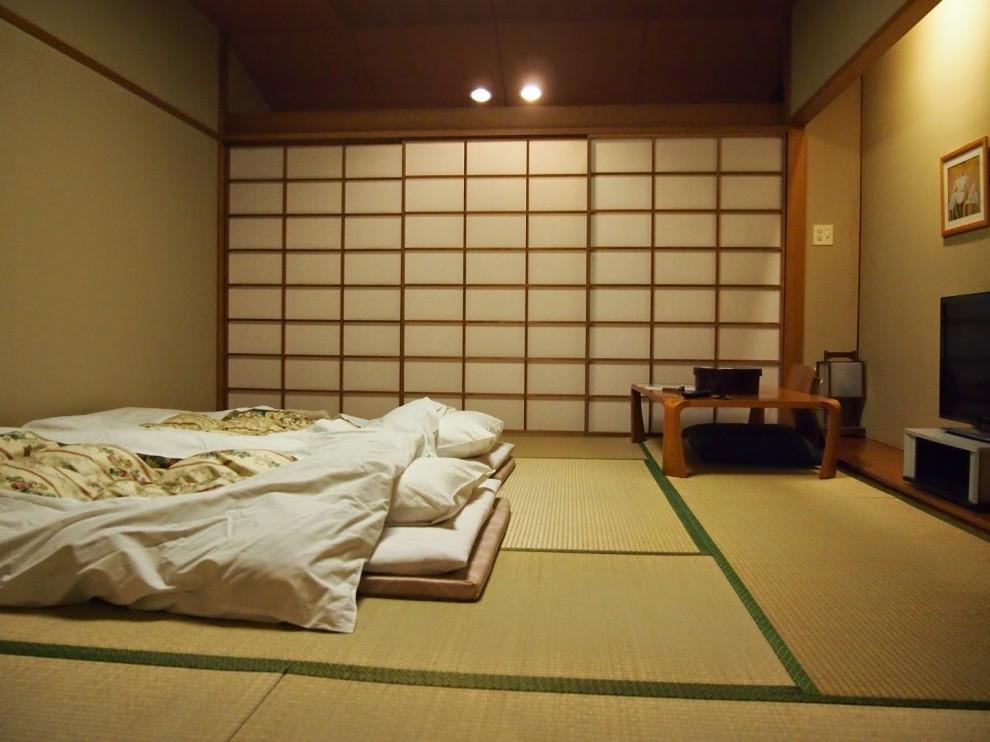 7. Большинство современных домов в Японии обогревается с помощью электрических кондиционеров (зима/л