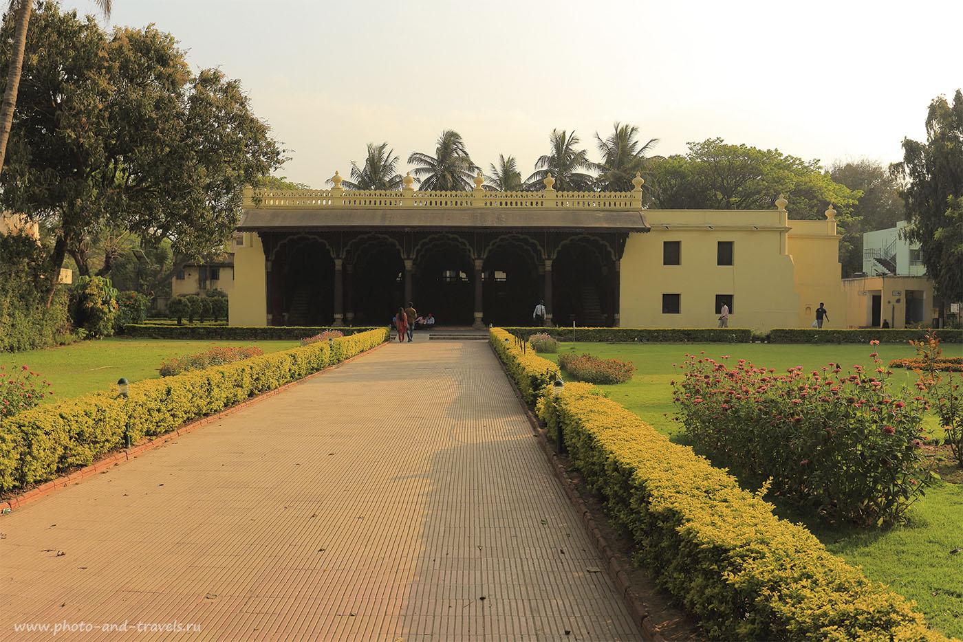 Фото 12. Летний дворец Типу Султана (Tipu Sultan's Summer Palace) в Бангалоре. Отзывы об экскурсиях во время путешествия по Индии