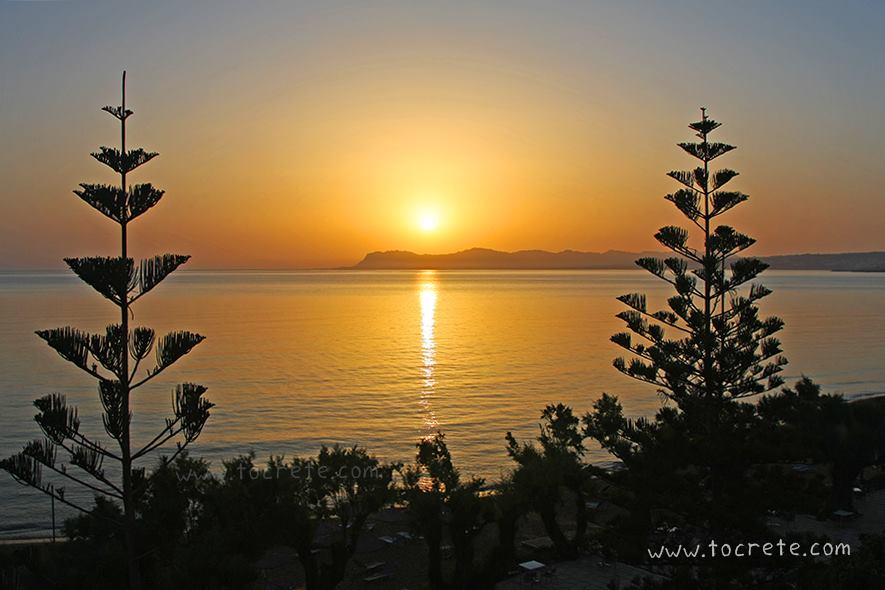Рассвет в Агия Марина | Sunrise in Agia Marina