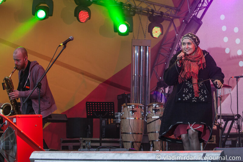 Легко... Инна Желанная. Концерт на масленницу 22 февраля 2015 года. Парк Горького.