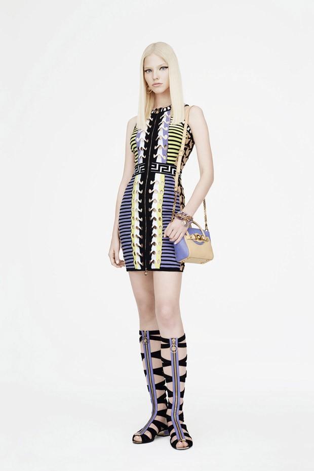 Саша Лусс (Sasha Luss) в рекламной фотосессии для Versace (10 фото)