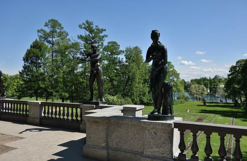 Скульптуры Екатерининского парка