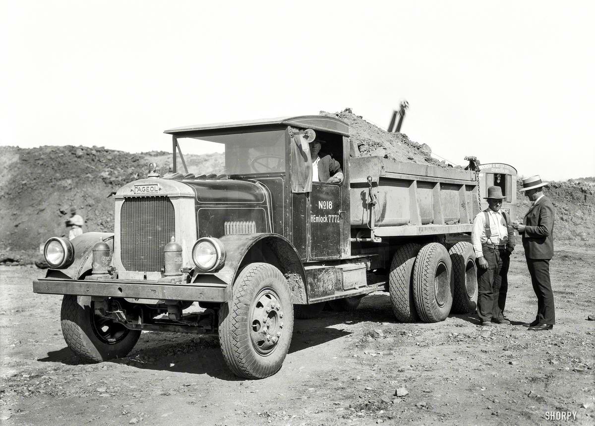 Специализированные транспортные средства начала 20-го века на снимках американских фотографов (57)