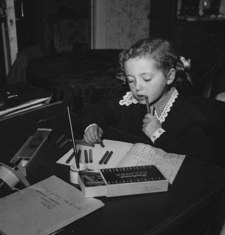 Домашнее задание. Автор Рюмкин Яков, 1950-e.jpg