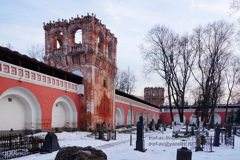 Квадратная башня восточной стены и угловая юго-восточная башня, Донской монастырь, Москва