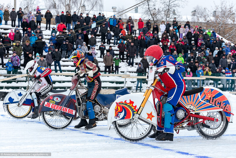 Спидвей - кольцевые мотогонки на льду
