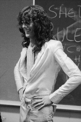 1977-06-05_JP_backstage_by_Neal_Preston.jpg