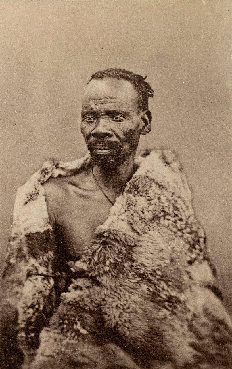 Секхукхуне (1814-1882). Король Секхукхунеленда в Трансваале. Воевал против британцев, был в конечном счете побежден в 1879 году и заключен в тюрьму в Претории.