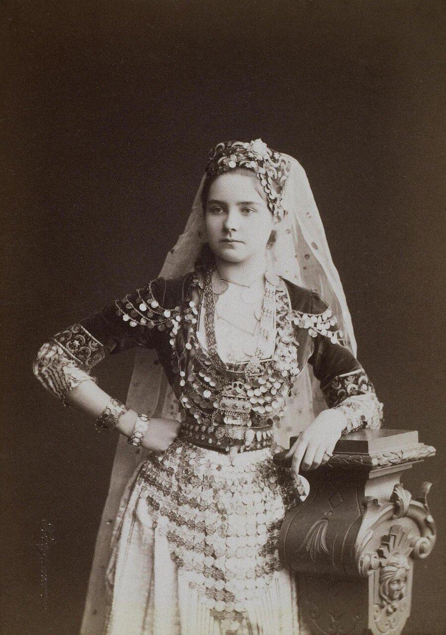 Портрет Зинаиды Николаевны Юсуповой в маскарадном костюме