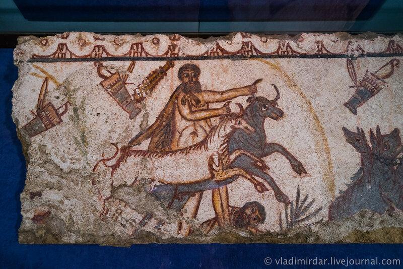 Фрески 12 подвигов Геракла. Из склепа античной Горгиппии (г.Анапа).