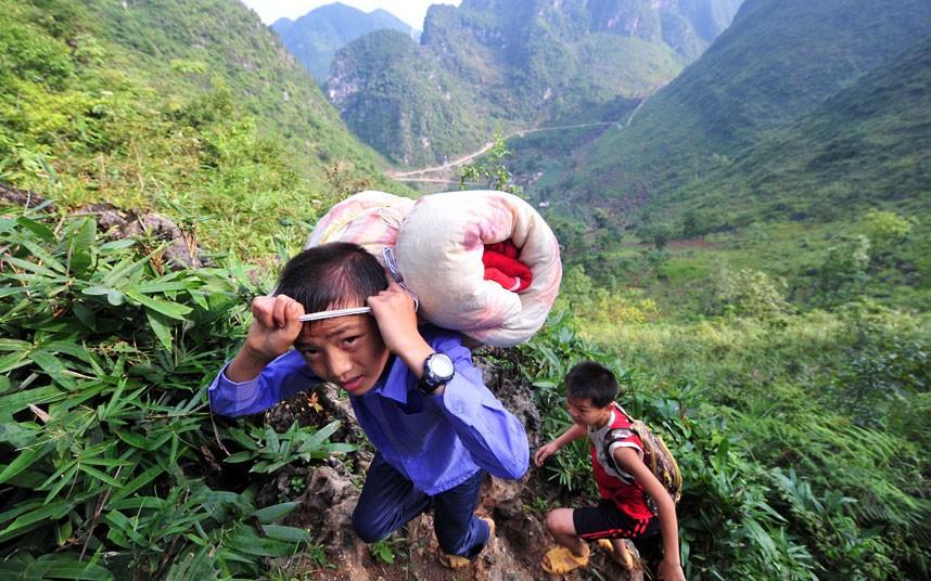 Экстремальная дорога в китайскую школу