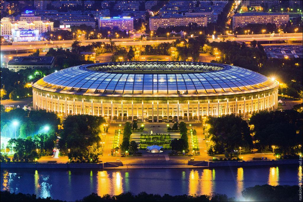 16. Стадион Лужники.