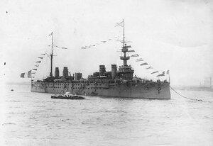 Французский корабль Конде, на котором прибыл французский президент Раймон Пуанкаре в Петербург, на рейде.