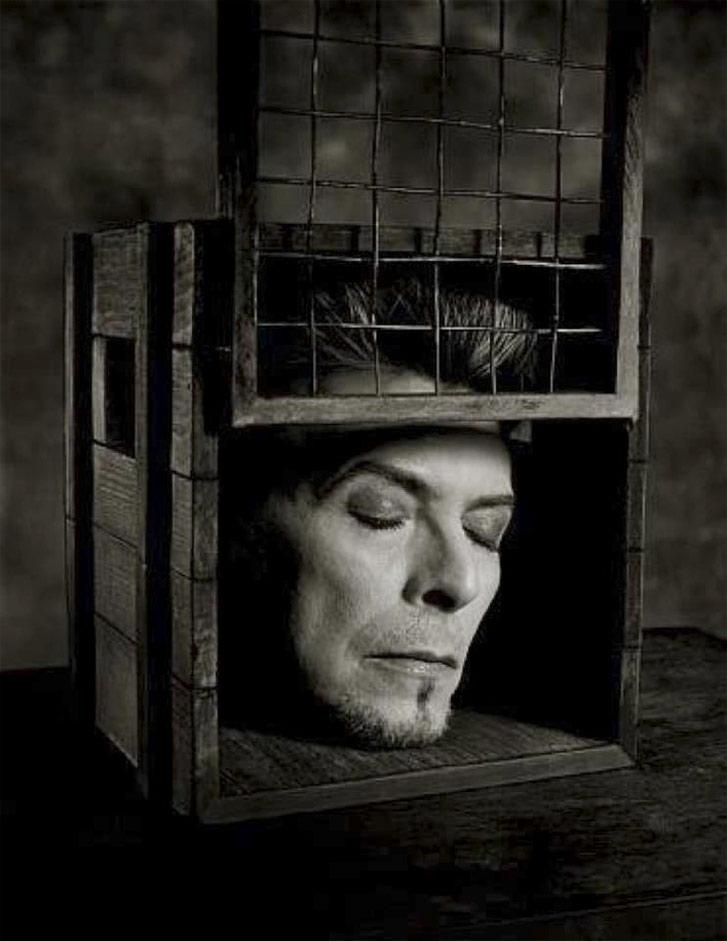 работа фотографа Альберта Уотсона / David Bowie, New York, 1996 - photo by Albert Watson