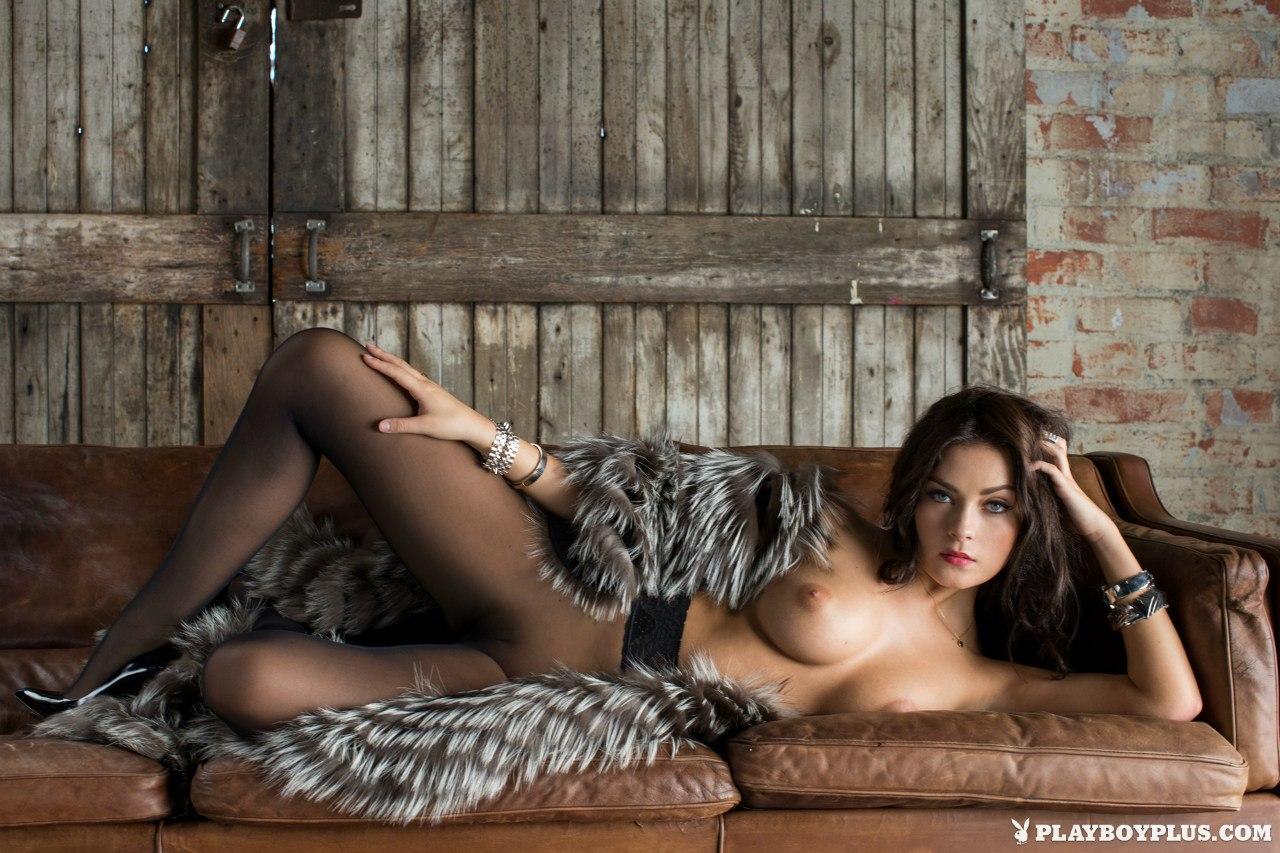 eroticheskie-galerei-devushek-foto