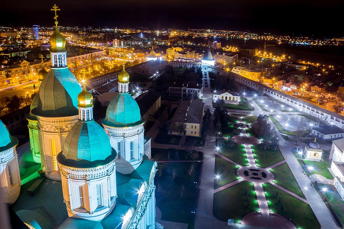 Вид с колокольни Астраханского кремля