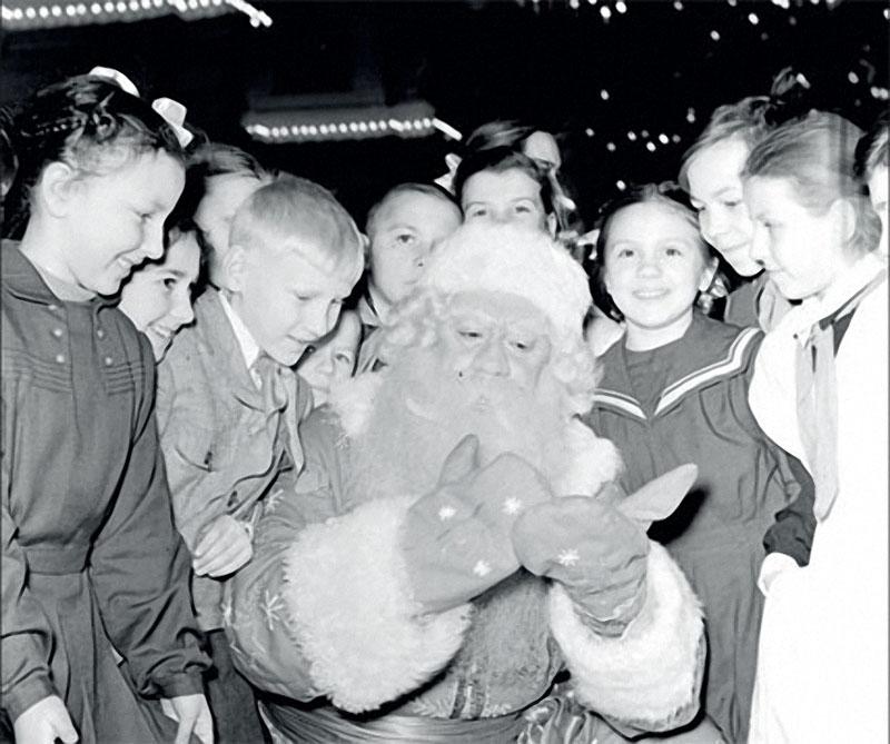 1957 Дедушка пришёл.jpg