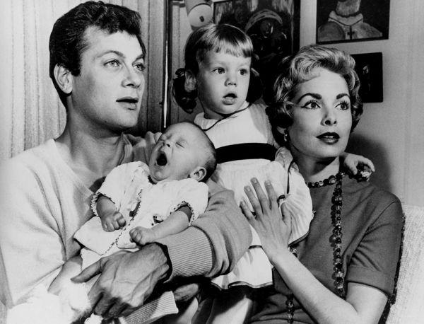 14 Тони Кертес с Джанет Ли и дочерьми.jpg