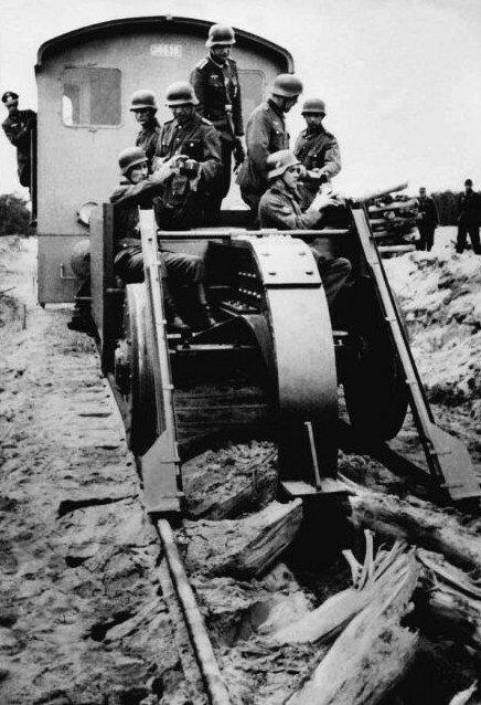 Уничтожение путей при отступлении, 1943 г..jpg
