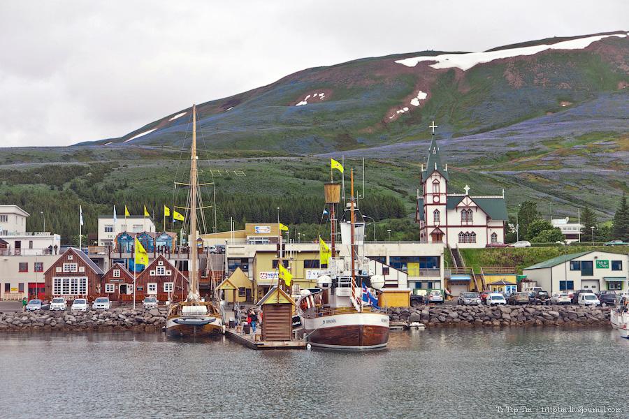 3. Дороги Нордюрланда и киты залива Скъяльфанди.