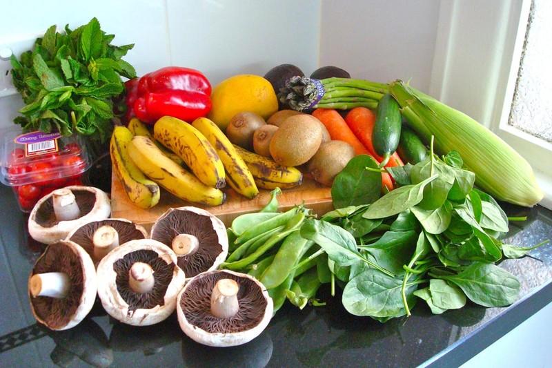 41. Ешьте сырые фрукты и овощи Свежие фрукты и овощи гораздо полезнее, чем плоды, которые подверглис