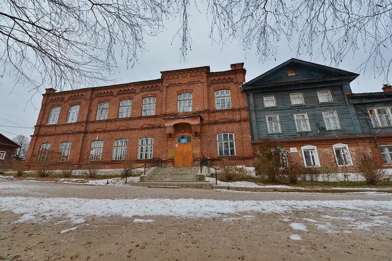 Памятник с семейный Кологрив Мемориальный одиночный комплекс из двух видов гранитов Сычевка