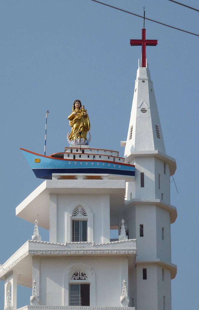 Фото 7. Католический храм в Индии. Экскурсии в Керале