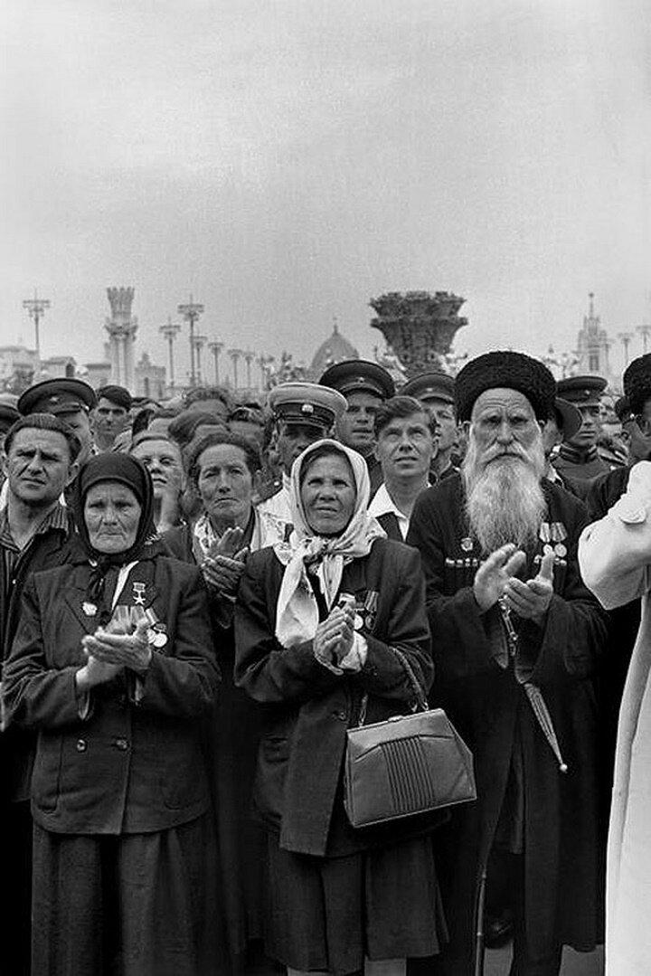 1954. Москва. На открытие ВДНХ