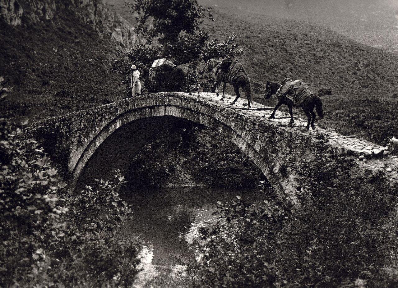 1930. Крит