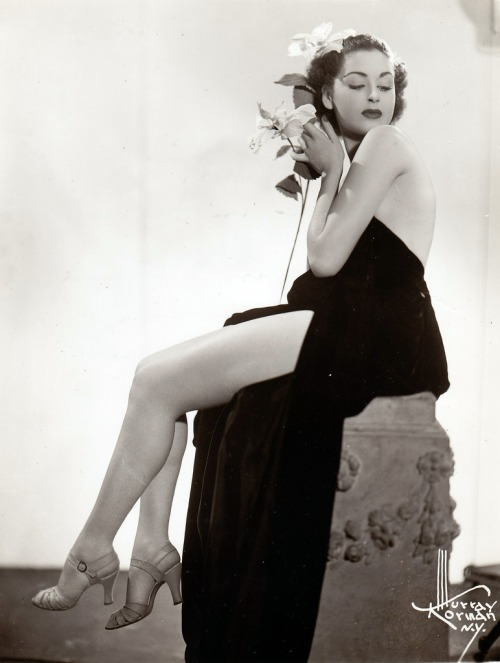 Mary Myles - c.1936.jpg