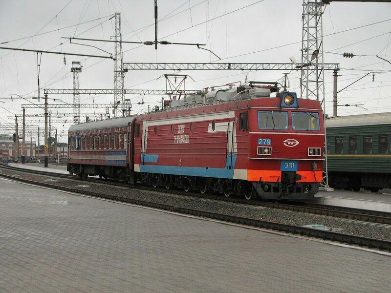ЭП1-279 на станции Барнаул
