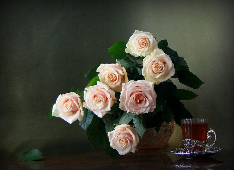 Пусть никогда не вянут розы