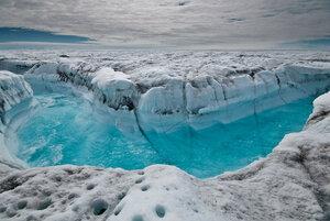 В Гренландии область тающего льда составила 95%