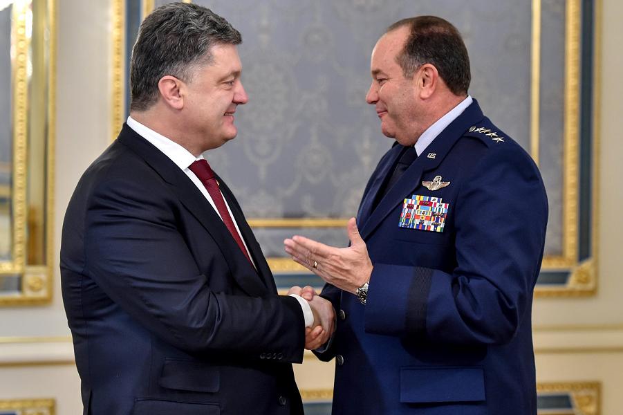 Поршенко и генерал Бридлав.png