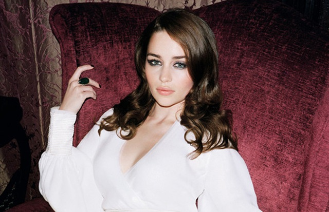 Звезда «Игры престолов» Эмилия Кларк мечтает о сексе втроем