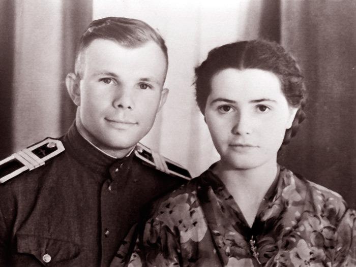 Юрия Гагарин с женой Валентиной