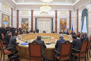 В Минске продолжаются мирные переговоры по Донбассу
