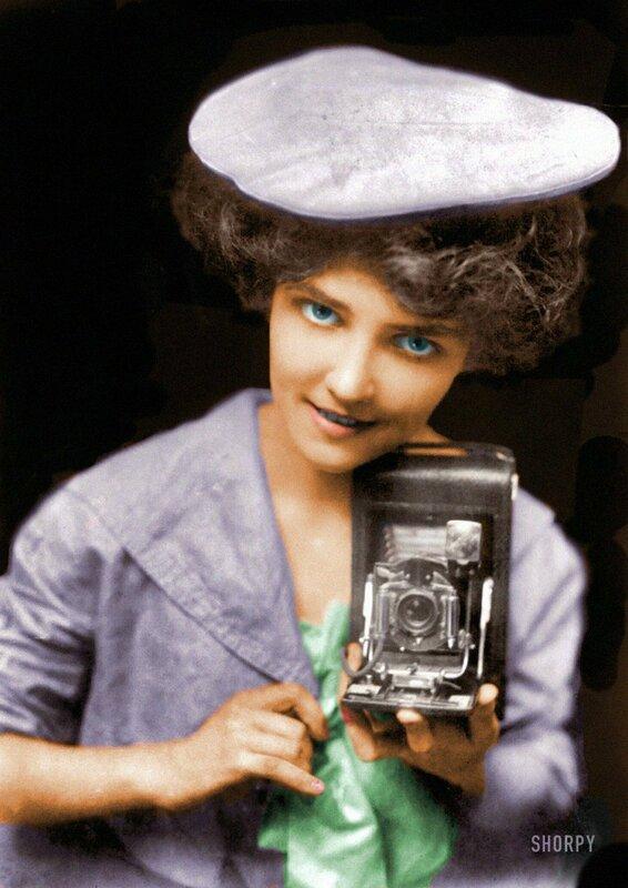 1909 Kodak girl.jpg