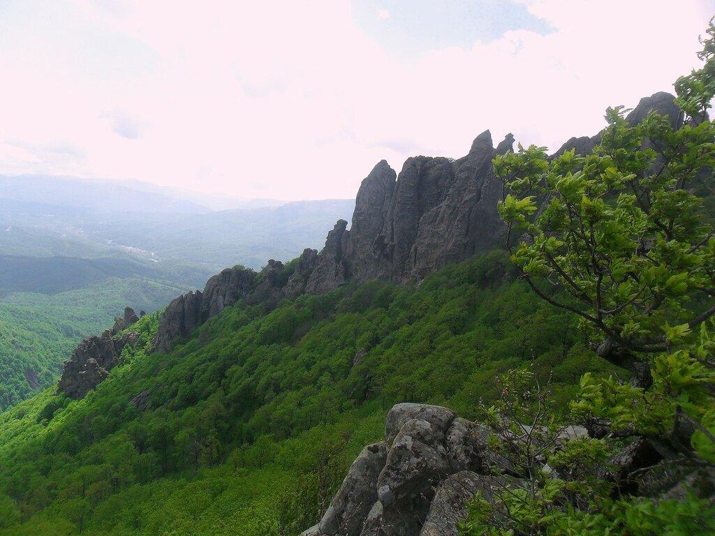 Скалы Индюка, май ... SAM_6972.JPG