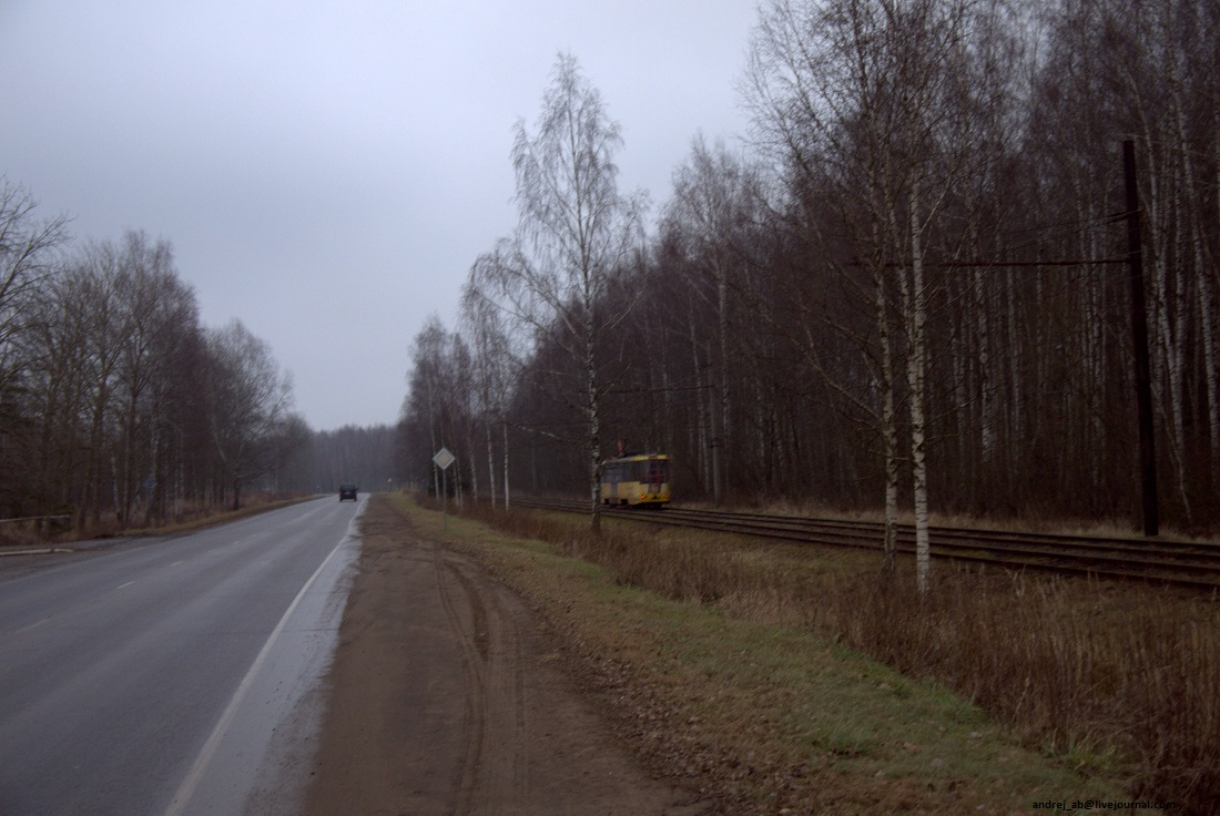 Трамвайная дорога у завода Полимир.