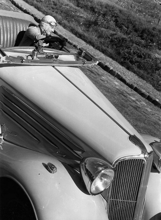 1934. Элен Буше за рулем Виваспорт