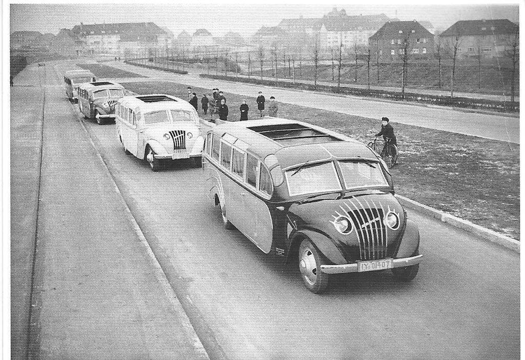 Reisebus, hergestellt in der Karosseriefabrik Gebr. Ludewig GmbH, Essen, 1930's.jpg