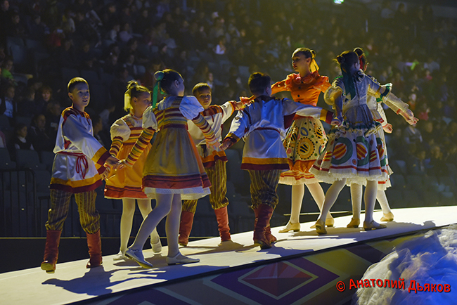 Новогодние шоу и гастрольный тур-2016, 2017, 2018 - Страница 2 0_18cbbb_c64d2d34_orig